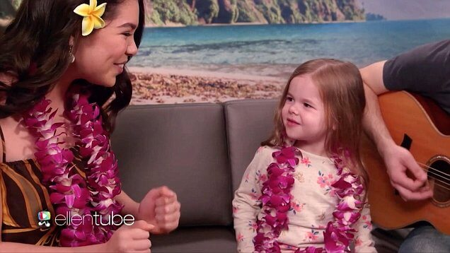 adorable claire ryan sings with moana 39 s auli 39 i cravalho